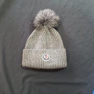 womens moncler hat beanie gray